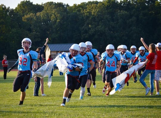 Ridgedale's football team earned its first win of the season, beating Vanlue 28-20 Friday night in the home opener for the Rockets.