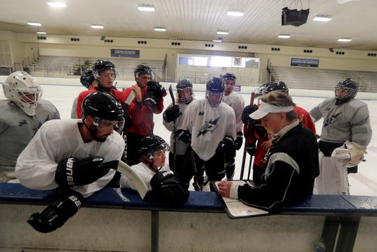Head coach Fred Berry, a Milwaukee Admirals legend, leads the Milwaukee Power in its first season in the NA3HL.