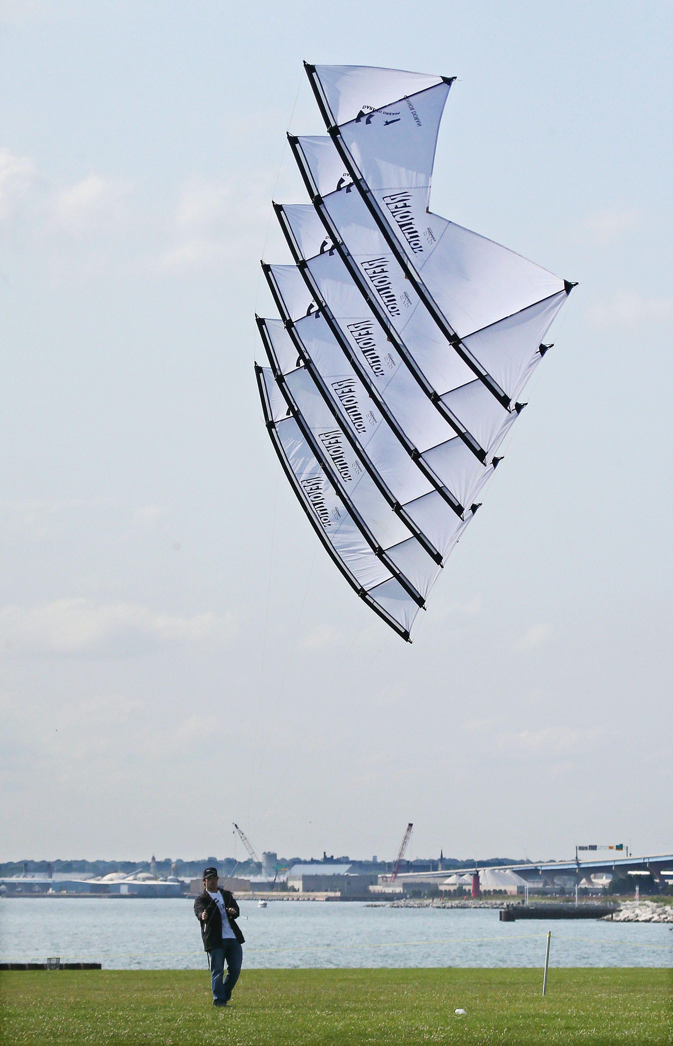 Frank Mots International Kites Festival