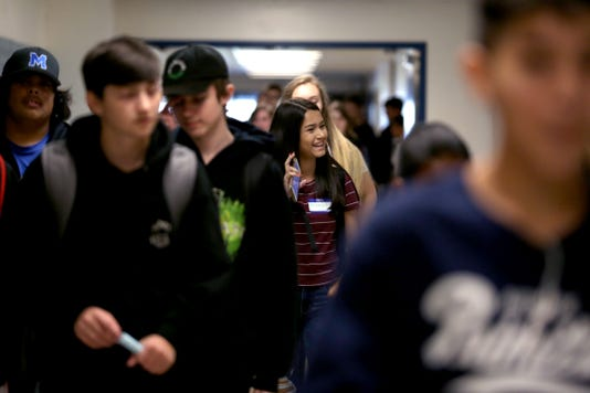 MAIN-Firstdayofschool Mcnaryhighschool Ar 07