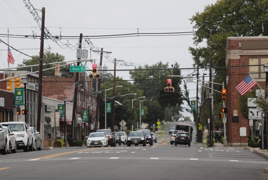 Cars wait at a traffic light on Fair Lawn Ave and River Rd. in Fair Lawn, N.J. on Saturday, September 1, 2018.