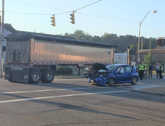 A two vehicle non-injury accident blocked traffic at the intersection of Seventh and Market Streets Tuesday morning.