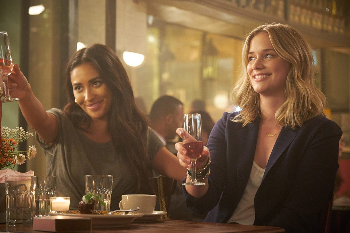 "Peach (Shay Mitchell) and Beck (Elizabeth Lail) on ""You."""
