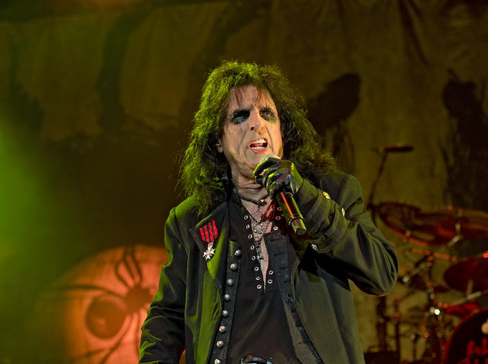 Alice Cooper performs.