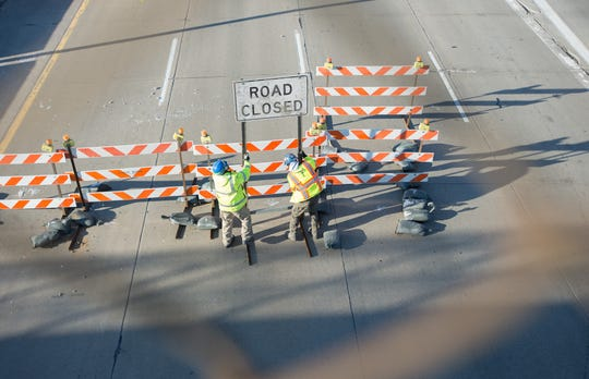 Both directions of Intestate 75 between Eight Mile in Hazel Park and Square Lake Road in Troy will be closed this weekend for construction work, the Michigan Department of Transportation said.