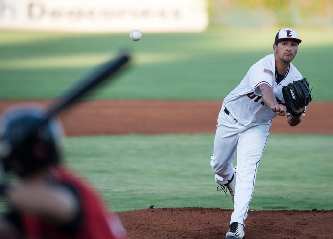 Evansville's Randy Wynne (9) pitches the ball for the Otters during game one of the Frontier League Division Series at Bosse Field against the Washington Wild Things Tuesday, September 4, 2018.