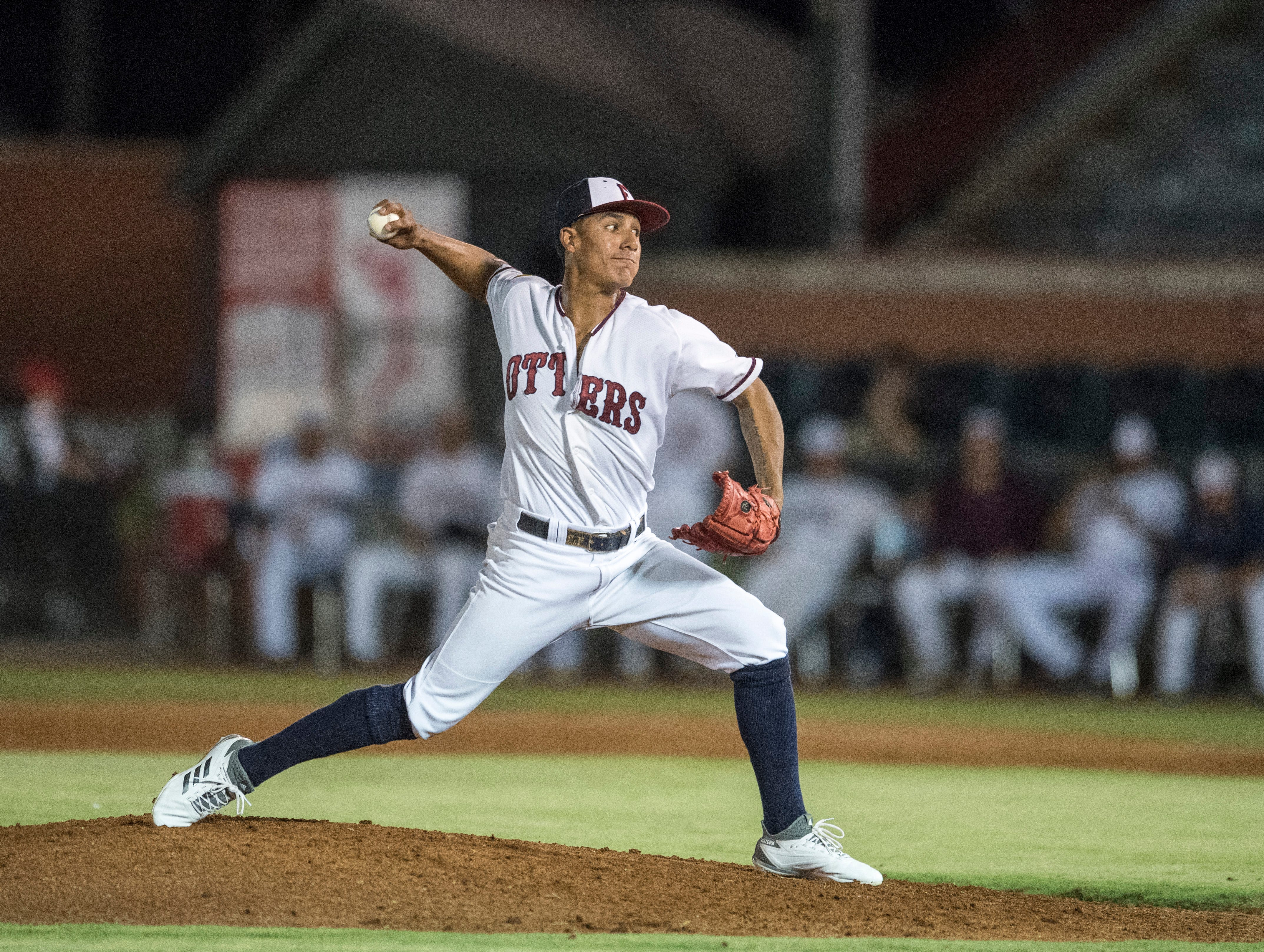 Evansville's Matt Chavarria (1) pitches the ball during game one of the Frontier League Division Series at Bosse Field against the Washington Wild Things Tuesday, September 4, 2018.