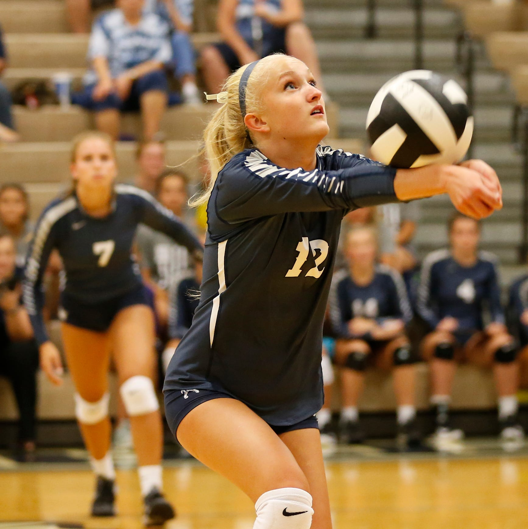 Covington upsets No. 1 Central Catholic volleyball
