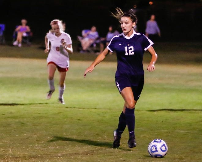 Siegel's Mia Roberts dribbles upfield during a recent game. Roberts scored the go-ahead goal in a 2-1 win over Oakland Thursday.