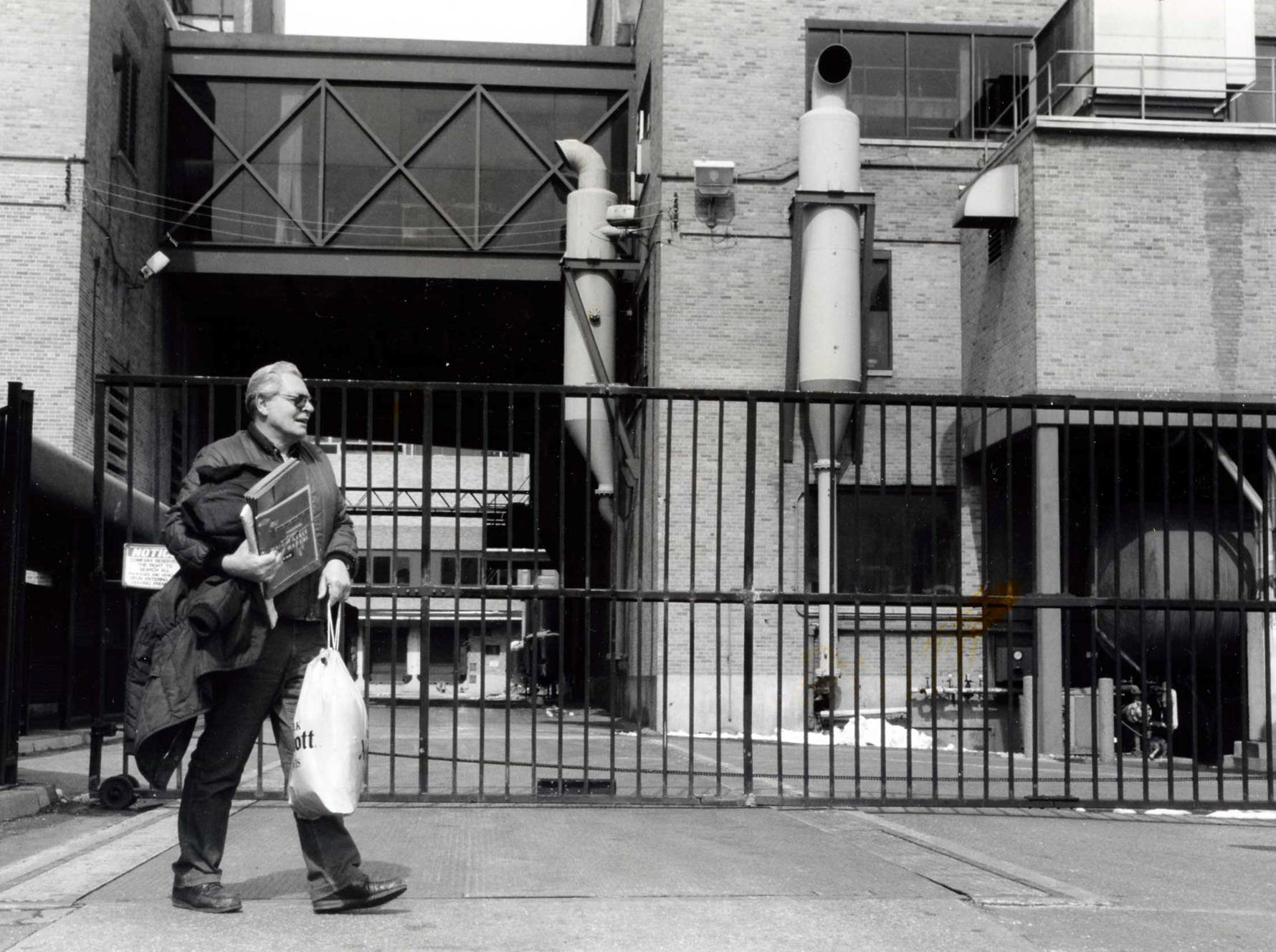 John Nataluk, of North Bergen, leaves the Maxwell House coffee plant as it shutters in 1992 after 29 years of employment.