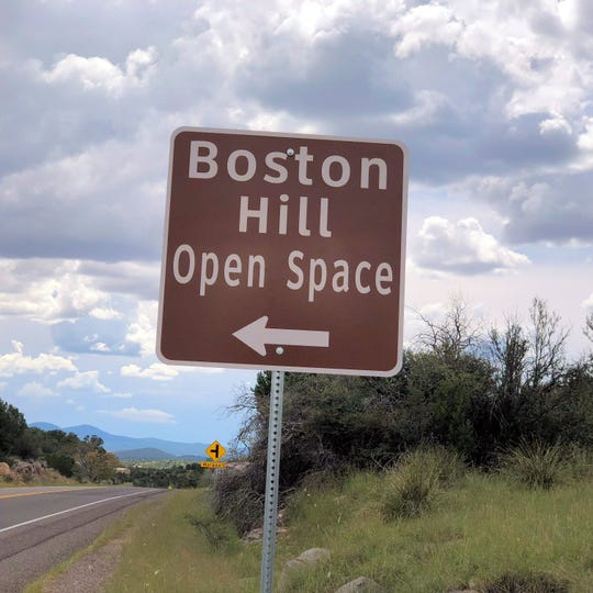 New signs point to way to hiking trails in and around Silver City.