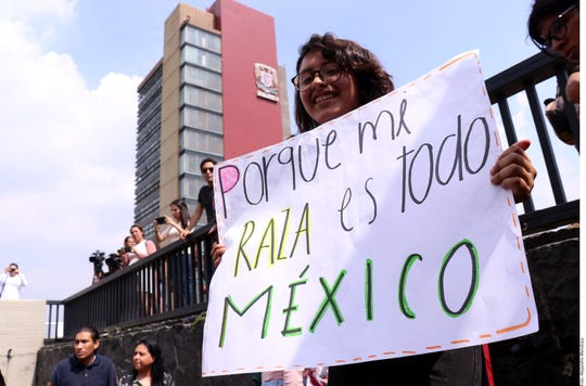 Alumnos de la UNAM iniciaron un paro de actividades en protesta por un ataque de matones contra estudiantes que manifestaban a comienzos de la semana.