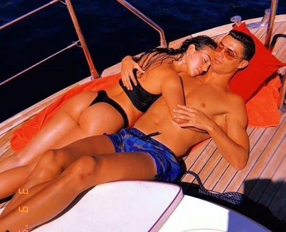 Presume Georgina Amor Con Cris 437842