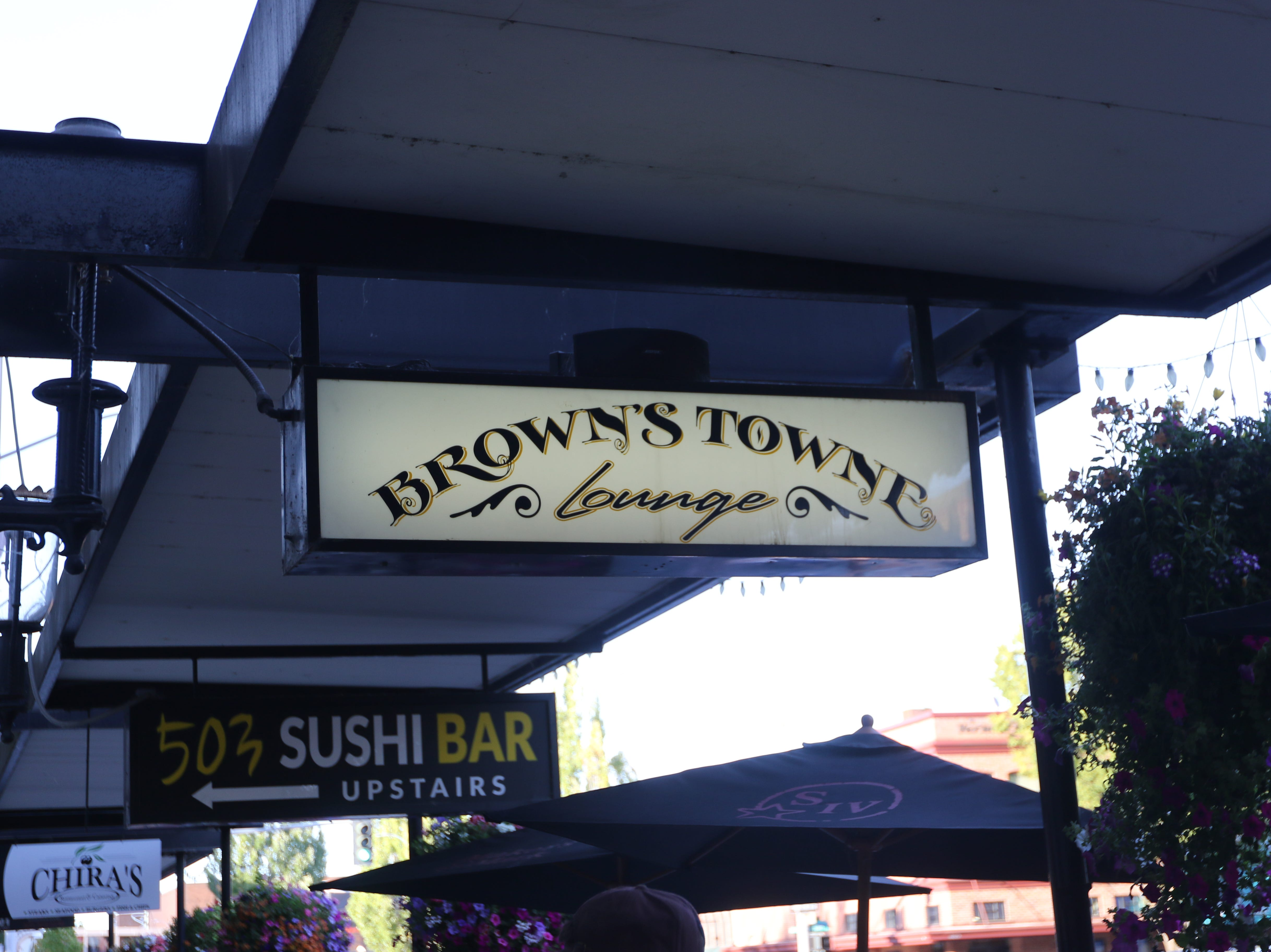 Brown's Towne Lounge opened in the Reed Opera House mall in 2008.