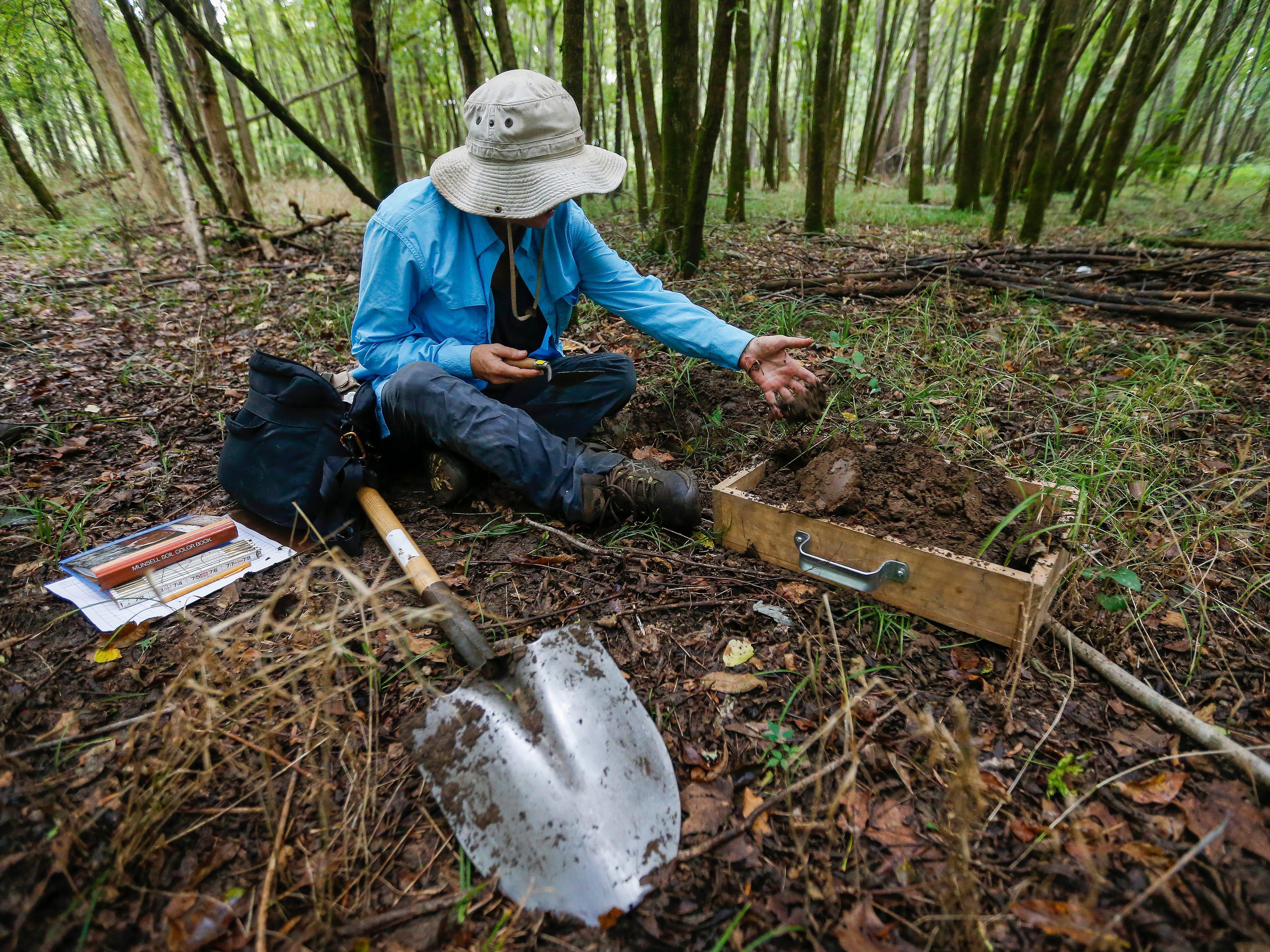 Archaeologists survey Lake Taneycomo