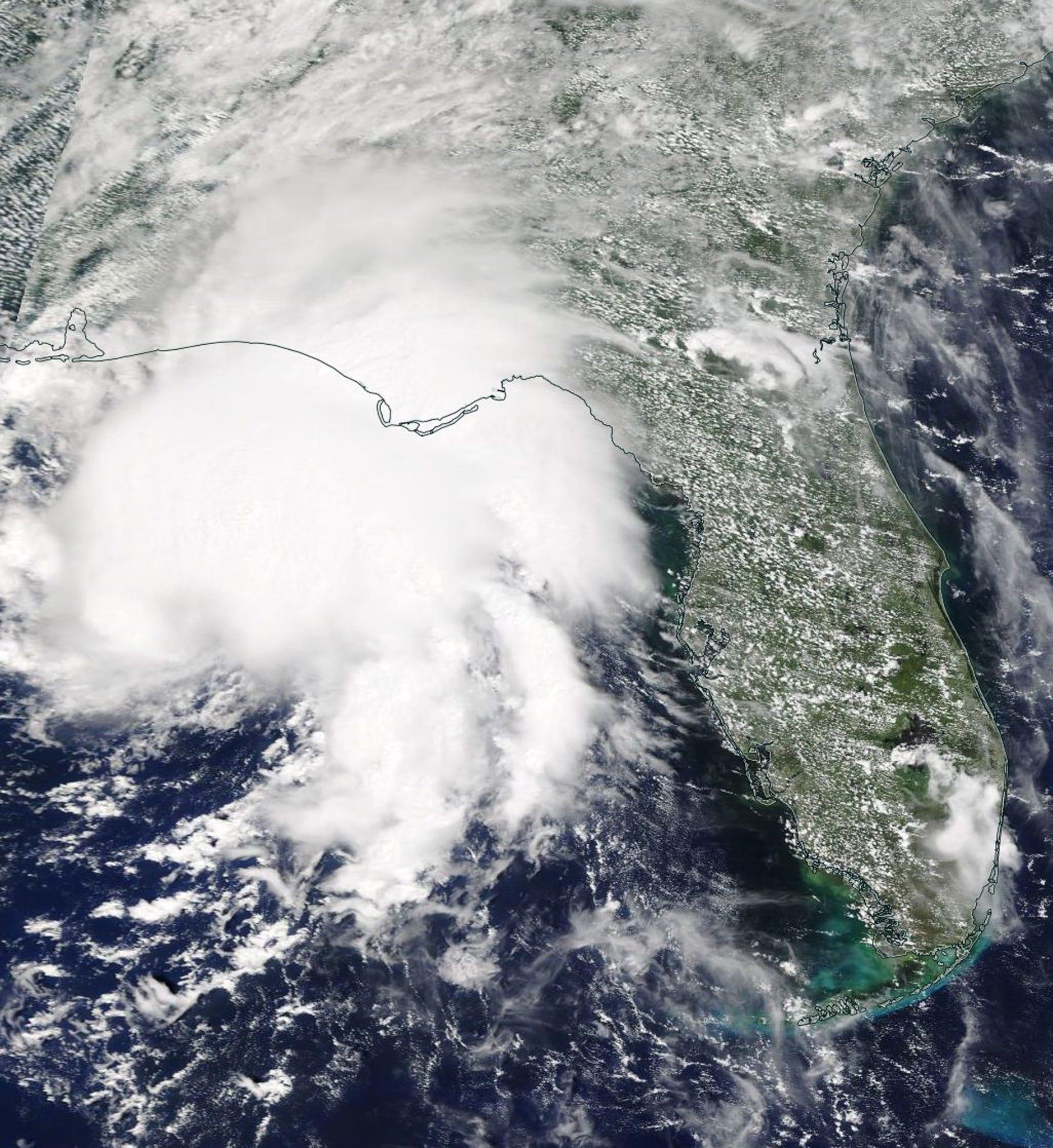 Tropical Storm Gordon lands west of the Alabama-Mississippi border; child dies in Florida