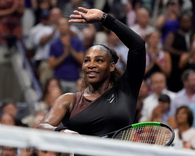 Serena Williams has backed Colin Kaepernick for the second time in a week.