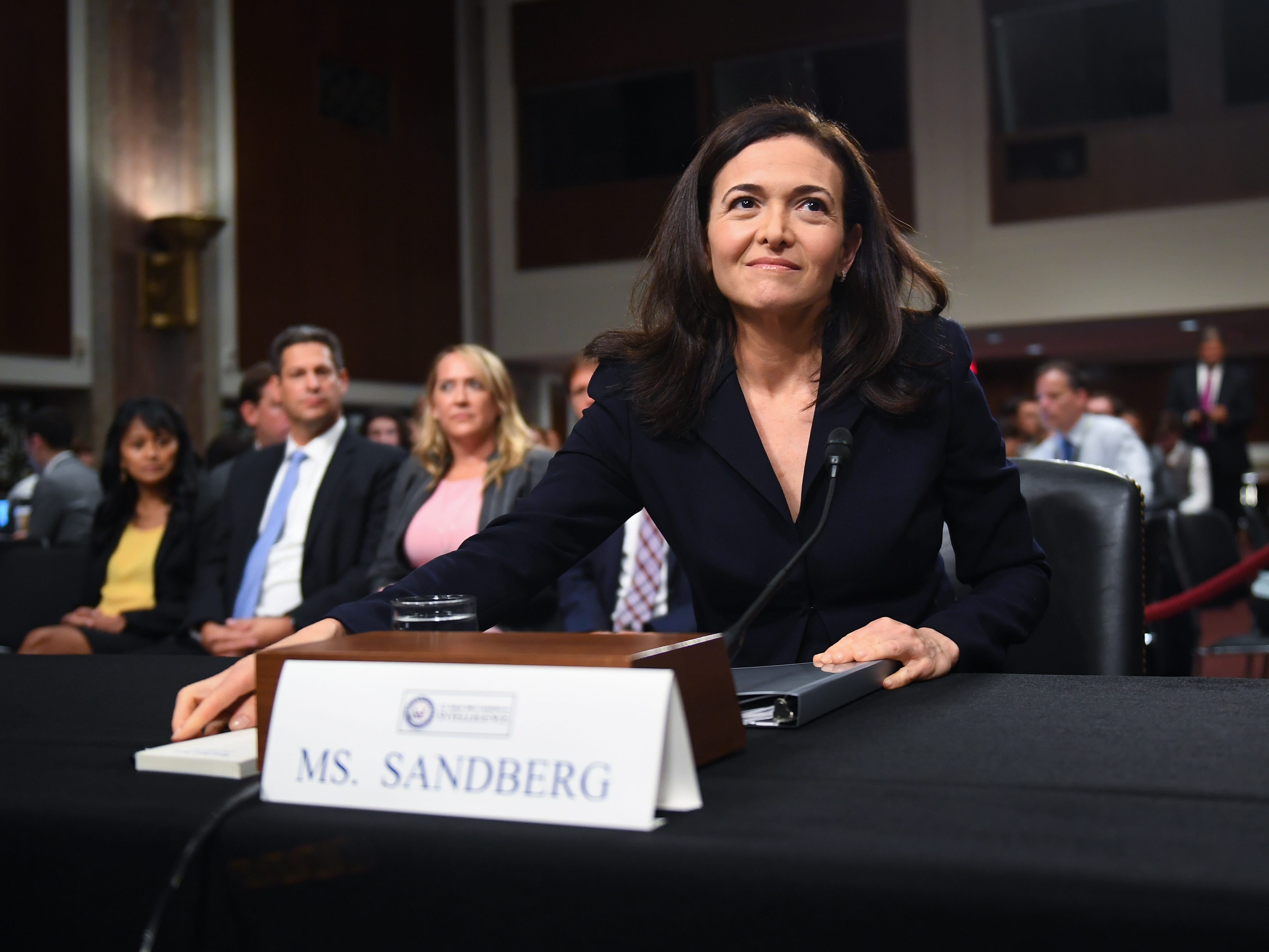 9/5/18 9:32:22 AM -- Washington, DC, U.S.A  -- Sheryl Sandberg, chief operating officer of Facebook Inc., arrives to testify before the Senate Select Committee on Intelligence during a hearing on Foreign Influence Operations' Use of Social Media Platforms on Sept. 5, 2018 in Washington.  --    Photo by Jack Gruber, USA TODAY Staff ORG XMIT:  JG 137441 Social Media Hea 9/5/ (Via OlyDrop)