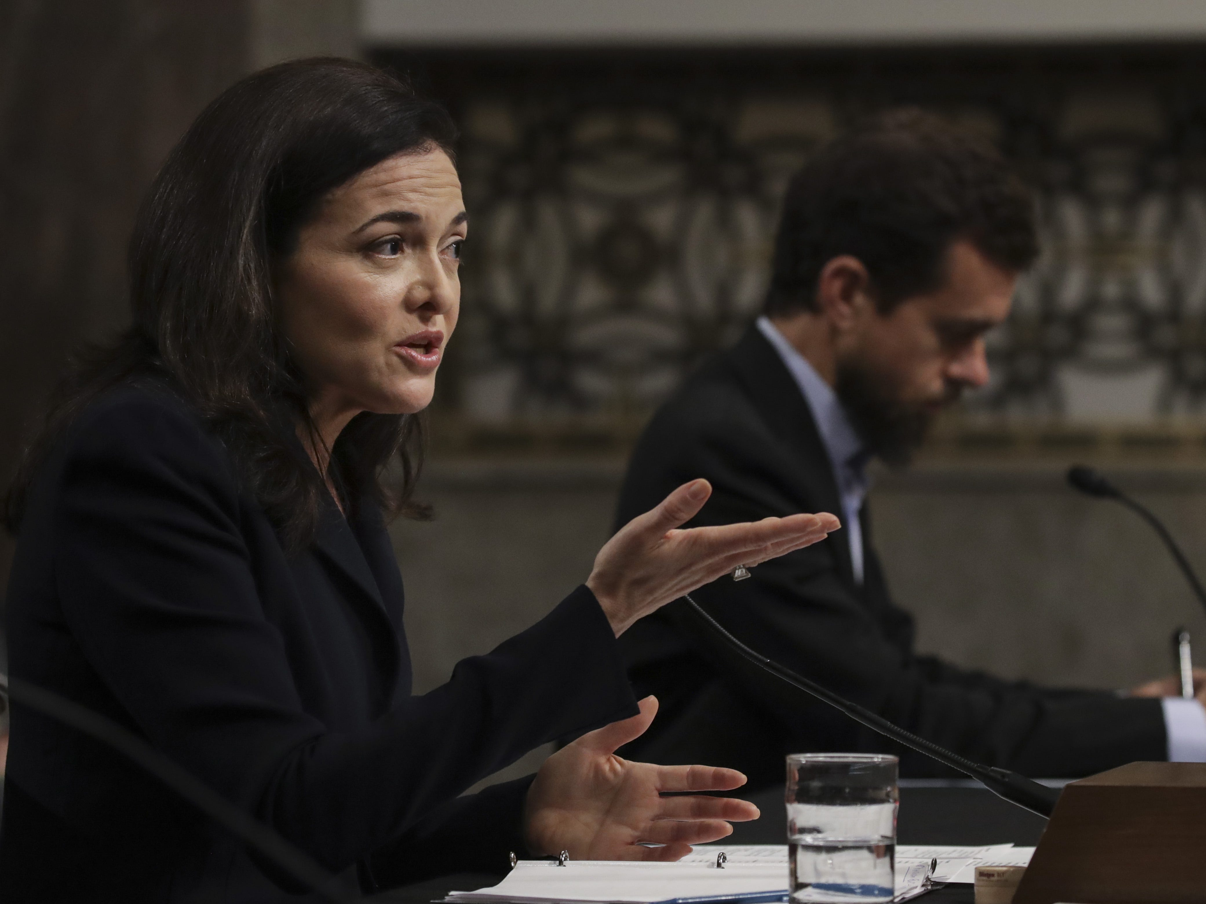 WASHINGTON, DC - SEPTEMBER 5: (L-R) Facebook chief operating officer Sheryl Sandberg and Twitter chief executive officer Jack Dorsey testify during a Senate Intelligence Committee hearing concerning foreign influence operations' use of social media platforms, on Capitol Hill, September 5, 2018 in Washington, DC. Twitter CEO Jack Dorsey and Facebook chief operating officer Sheryl Sandberg faced questions about how foreign operatives use their platforms in attempts to influence and manipulate public opinion. (Photo by Drew Angerer/Getty Images) ORG XMIT: 775221603 ORIG FILE ID: 1027071030