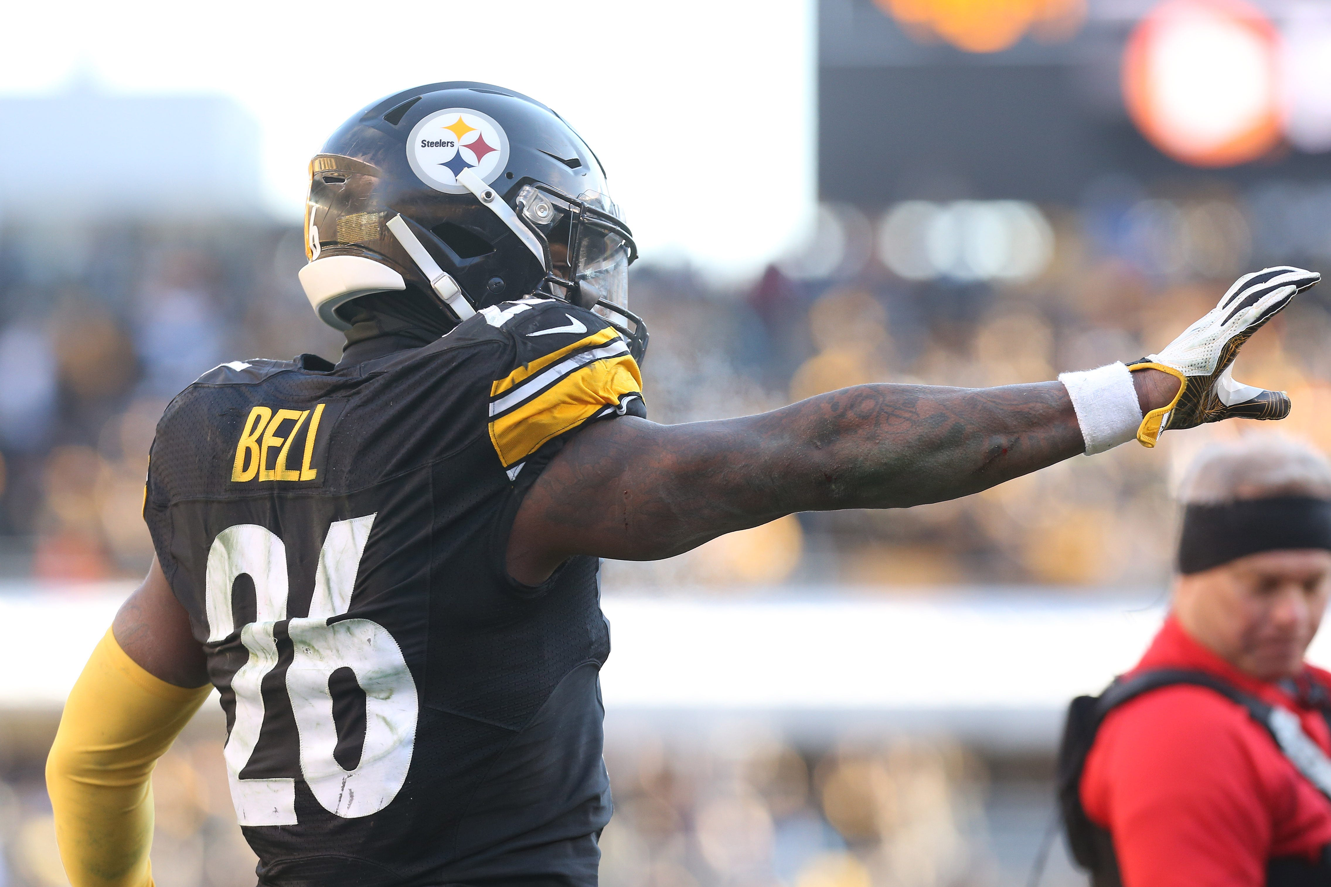 090a6ab8ccae Le Veon Bell  Steelers RB fails to report