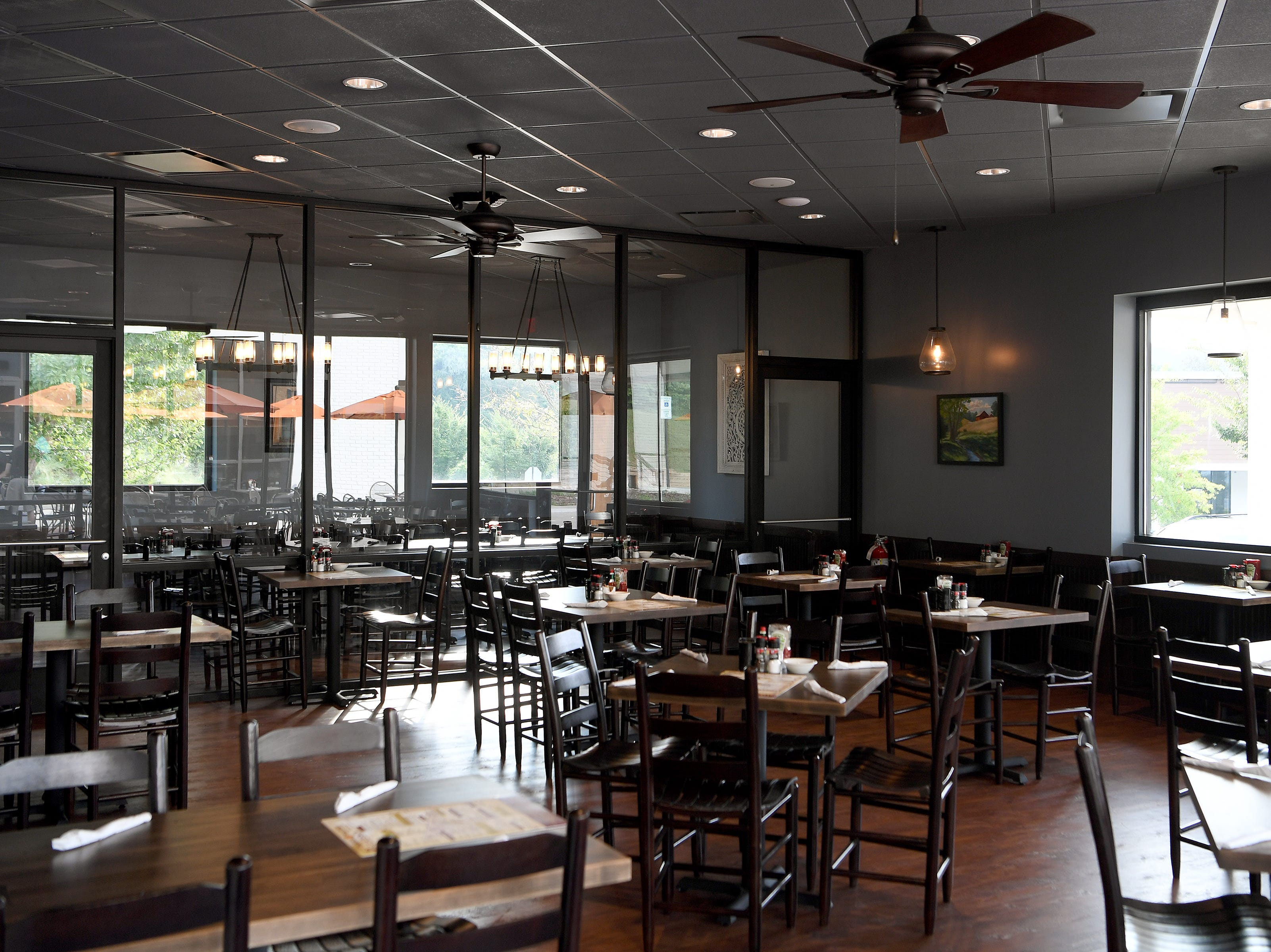 Famous Toastery, a franchise started in Huntersville, North Carolina, has opened in East Asheville in the shopping plaza with Whole Foods and features both indoor and outdoor dining.