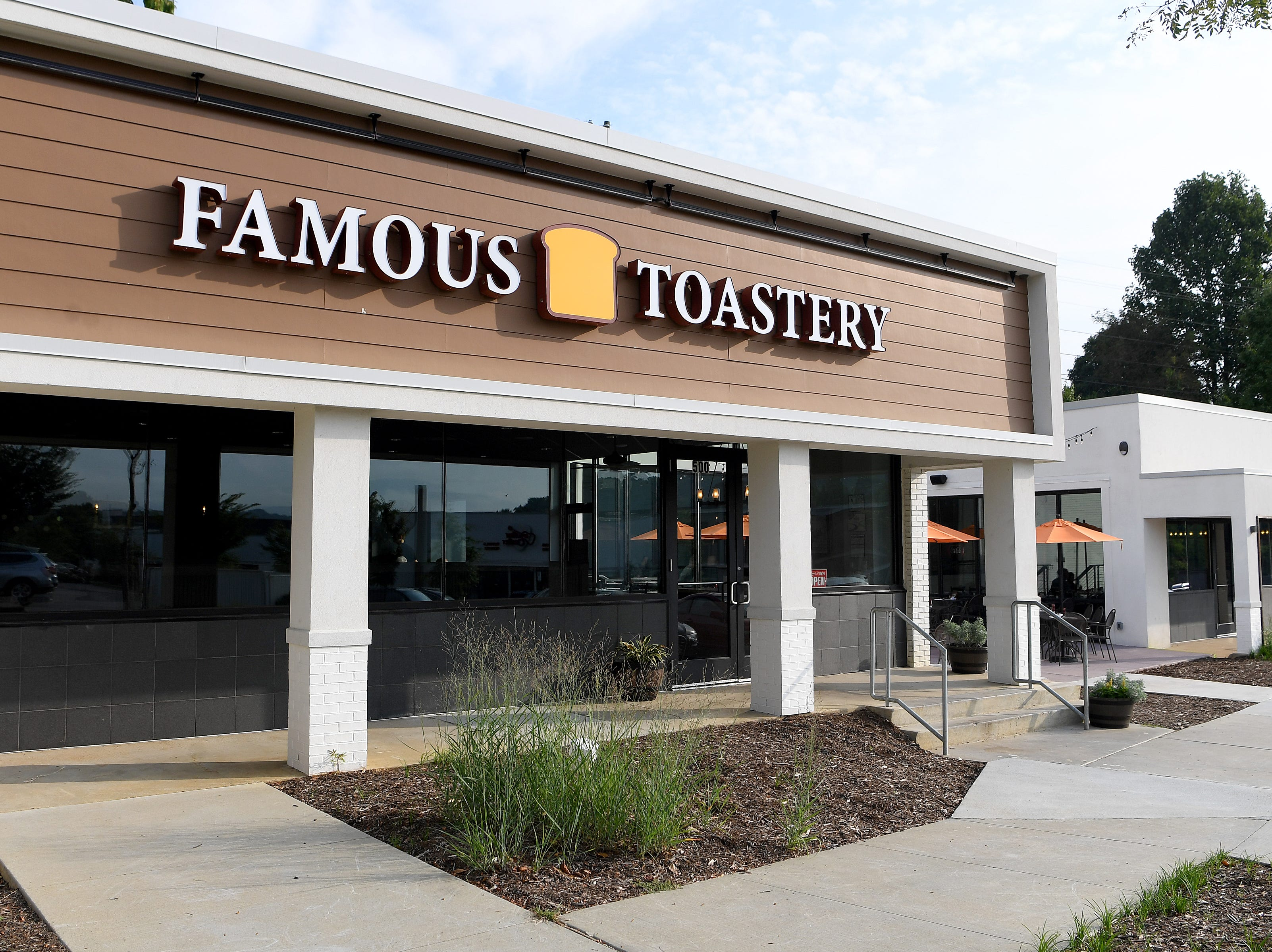 Famous Toastery, a franchise started in Huntersville, North Carolina, has opened in East Asheville in the shopping plaza with Whole Foods.