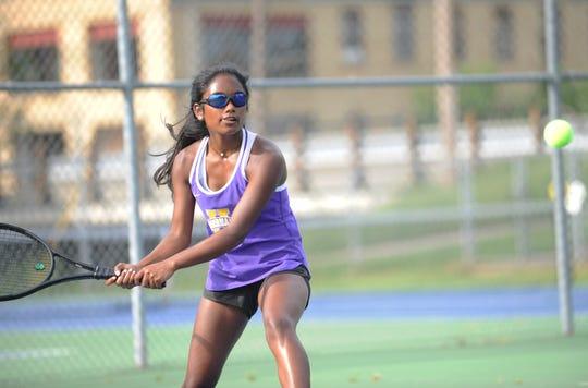 Unioto girls tennis fell to Washington Court House 4-1 on the road on Wednesday.