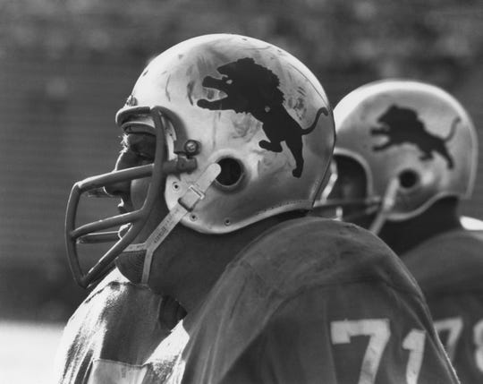 Detroit Lions defensive tackle (71) ALEX KARRAS on the sidelines against the Los Angeles Rams at Memorial Coliseum. The Lions defeated the Rams 31-7.