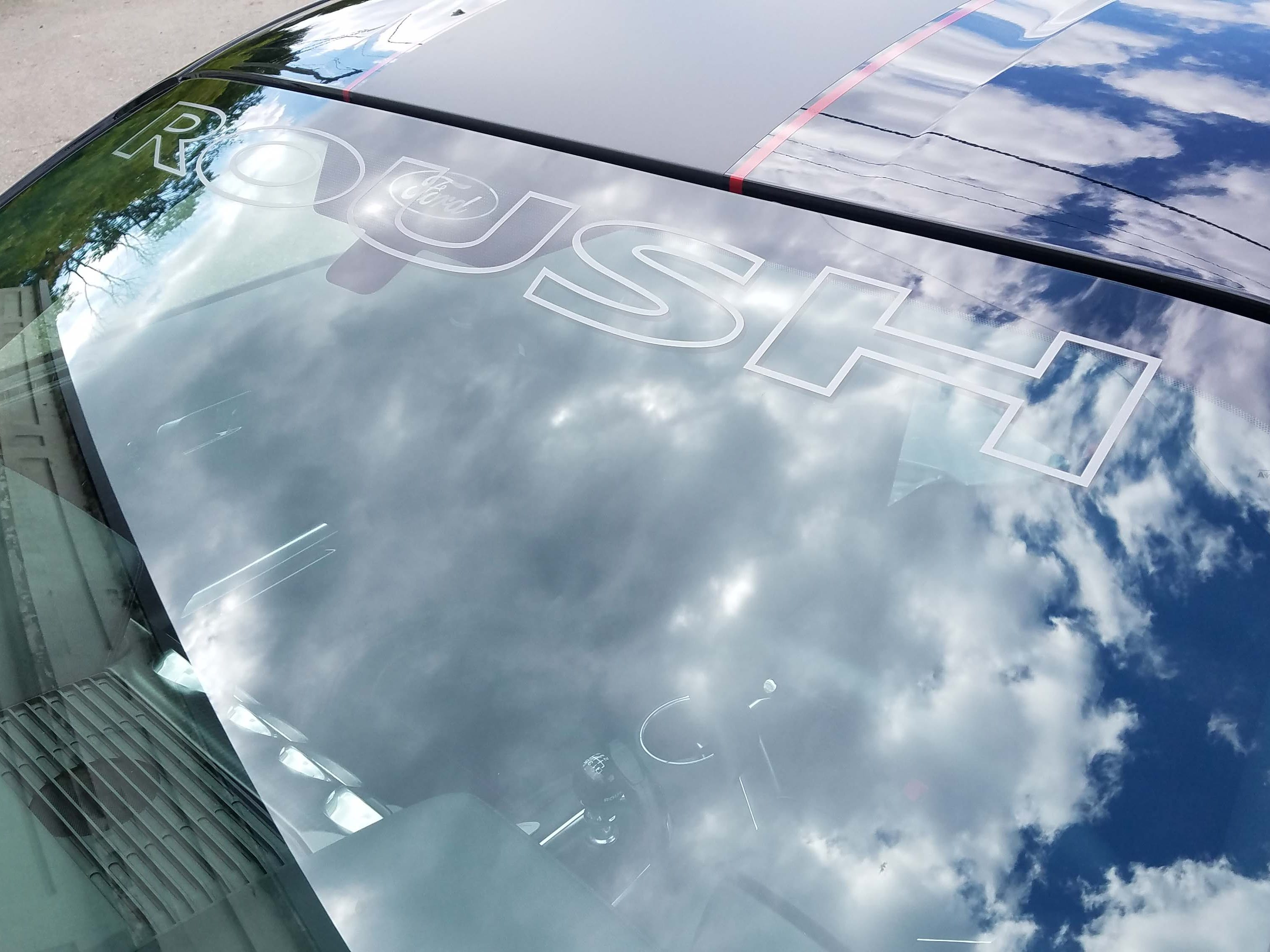 Roush windshield graphic. Standard on the 2018 Roush Jackhammer Mustang. A top performance stripe is optional.