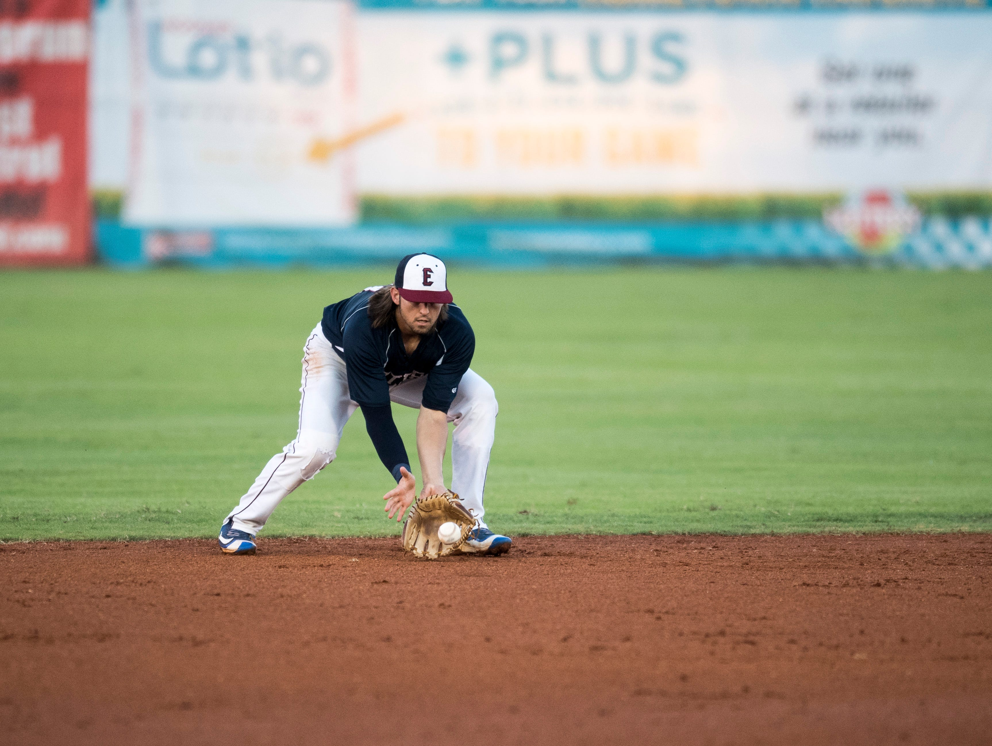 Evansville's J.J. Gould (31) fields a grounder during game two of the Frontier League Division Series at Bosse Field against the Washington Wild Things Wednesday, September 5, 2018.