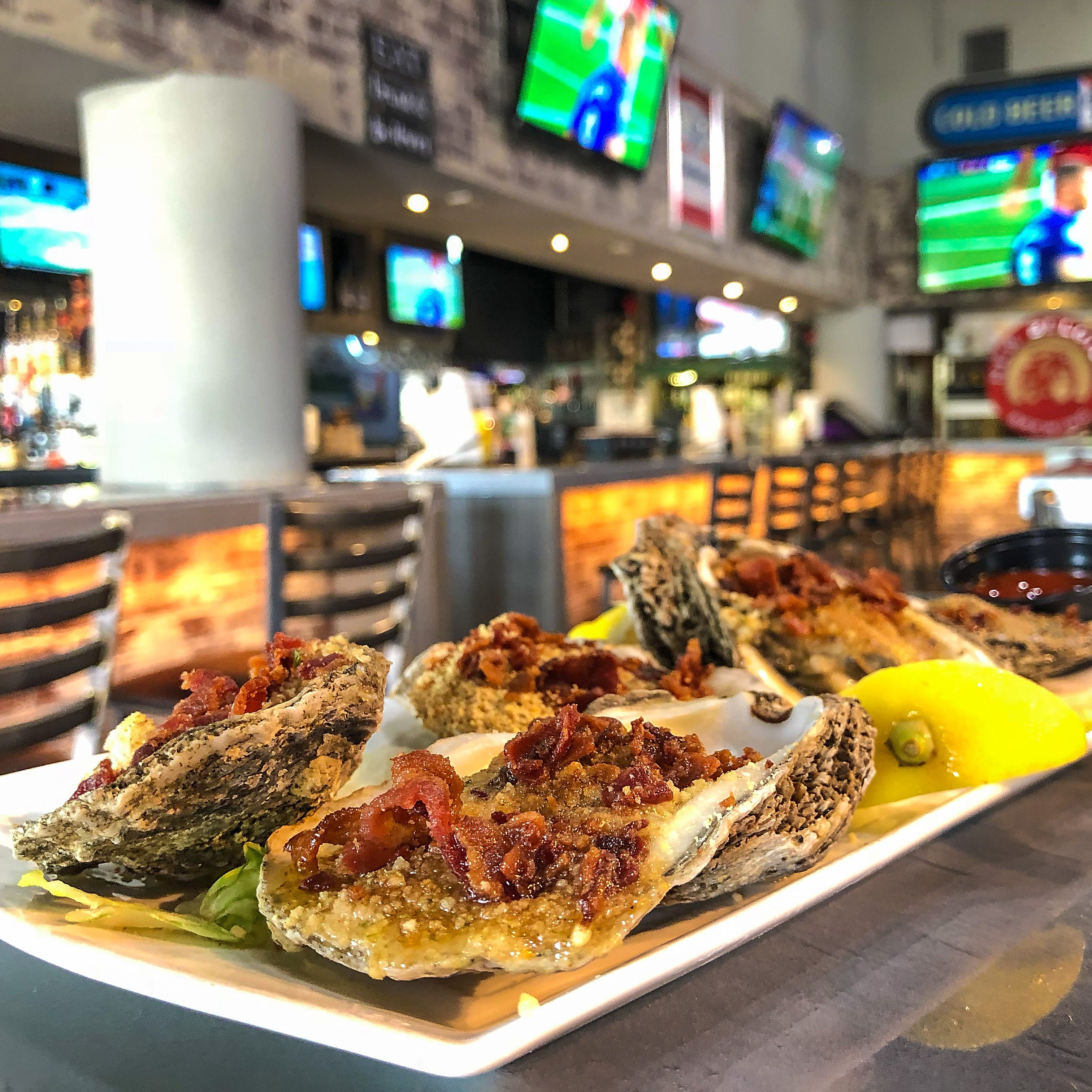 Sports bar food: Where to eat and watch football from Naples to south Fort Myers