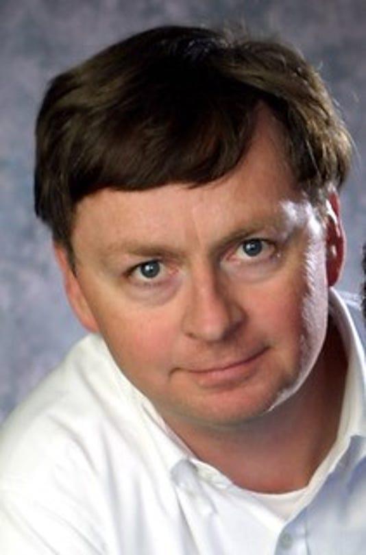 Dennis Cauchon