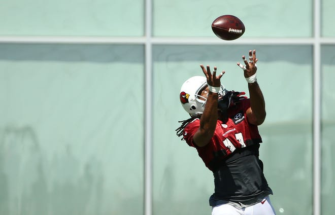 Arizona Cardinals wide receiver Larry Fitzgerald makes a catch during practice on Sep. 5, 2018 at the Arizona Cardinals Training Facility in Tempe, Ariz.