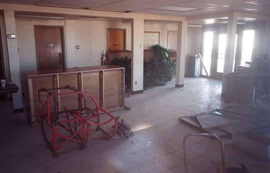 """The old justice court in Gila Bend where actor Burt Reynolds testified in an inquest investigating the death of David Whiting during the filming of the movie """"The Man Who Loved Cat Dancing."""" This photo was taken in 2000."""