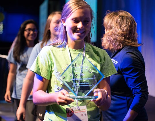 Four Diamonds Mini-THON® recognized South Western High School at the 2018 Mini-THON Leadership Summit on August 3 in Hershey, PA, for achievement in the 2018 Mini-THON award for Excellence in Social Media. Awards are given to schools who excel in their local Mini-THON through areas including social media engagement, faculty participation and fundraising. Izzy Bulson (grade 11), Tori Keefauver (grade 11), and Hania Siddiqui (grade 10) – South Western High School students accepting the Mini-THON award for Excellence in Social Media at the 2018 Mini-THON Leadership Summit. submitted
