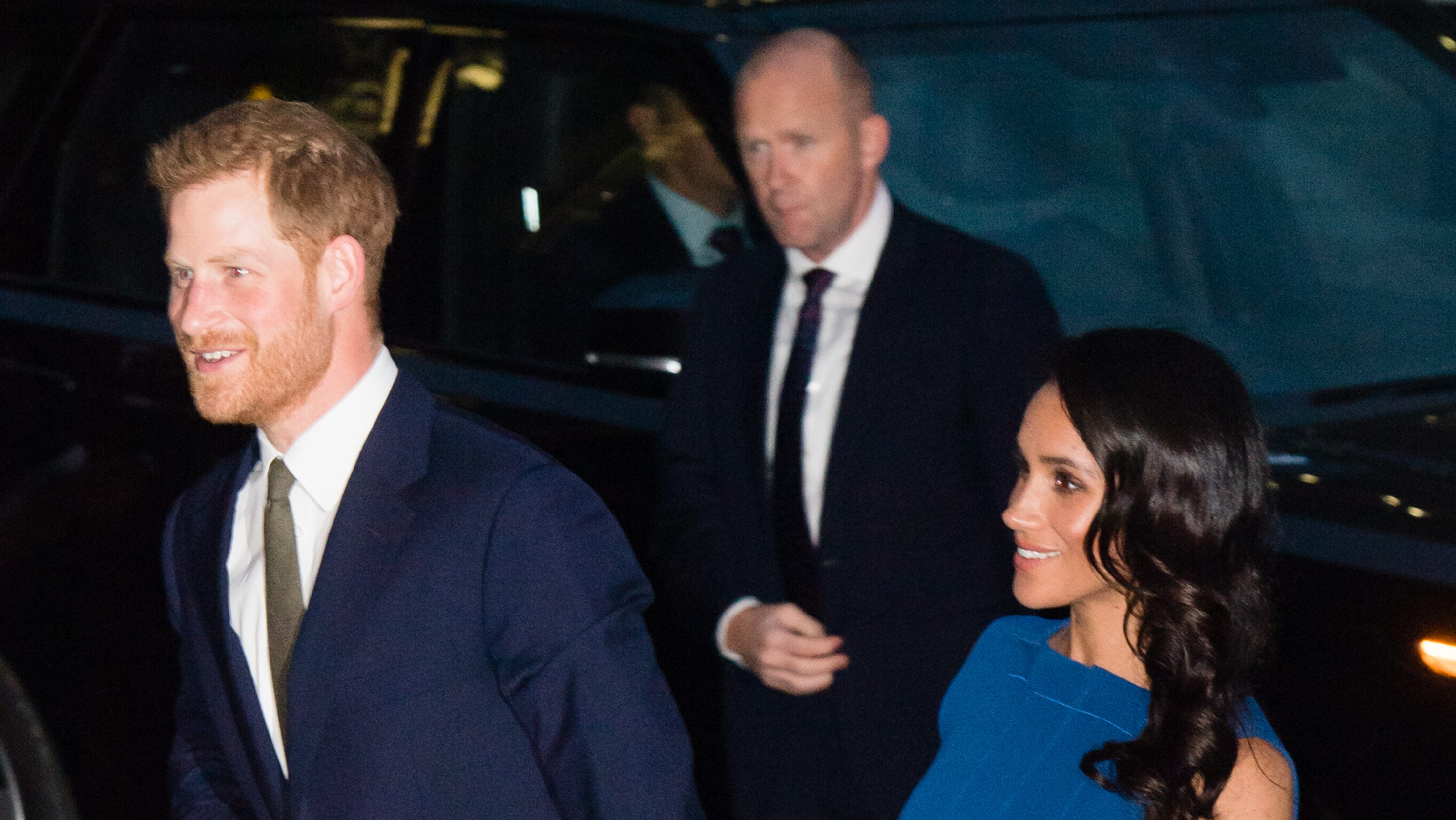 Meghan Wears Jason Wu Lets Her Hair Down At Charity Gala With Harry