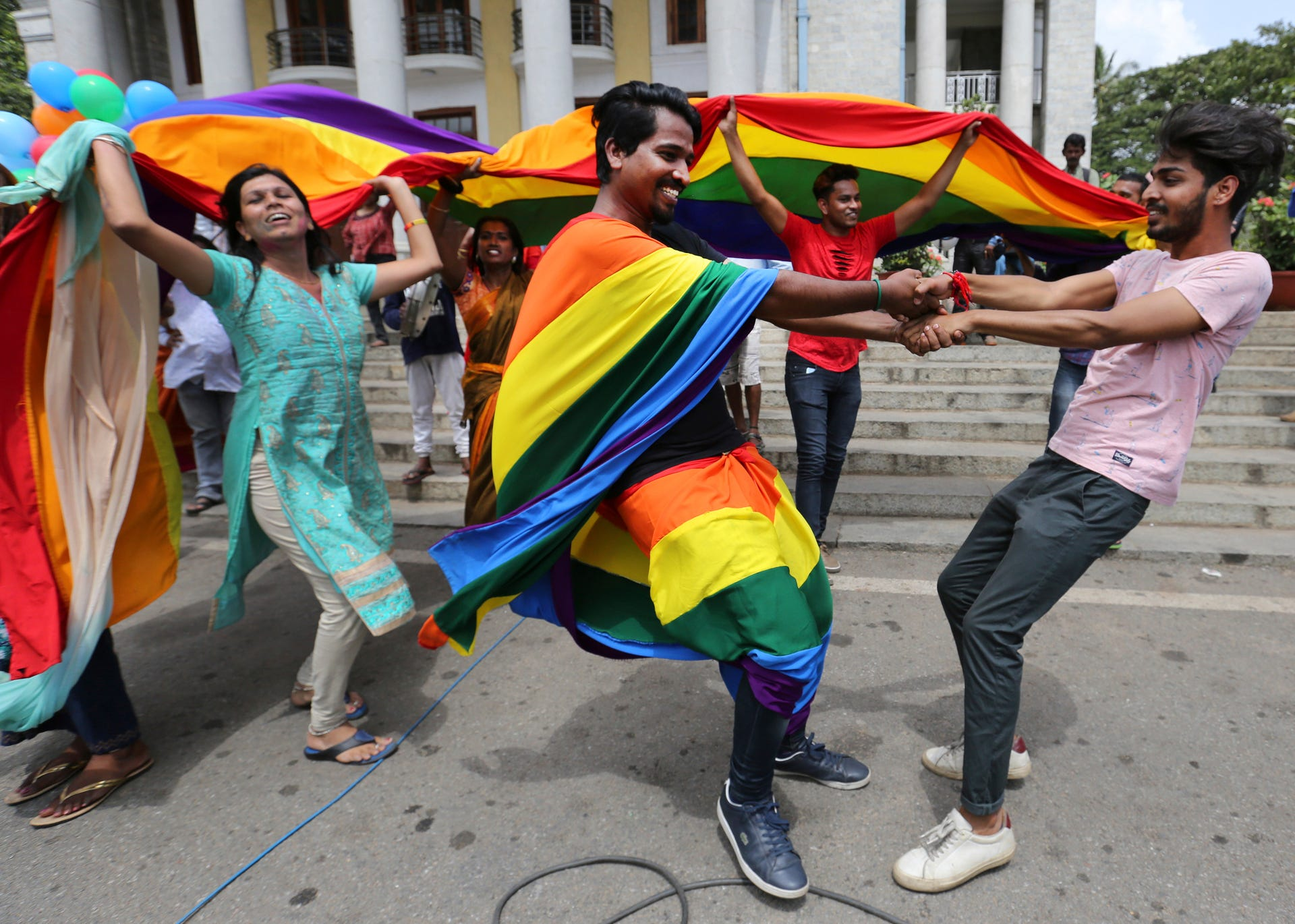 Gay rights supporters in India celebrate court ruling
