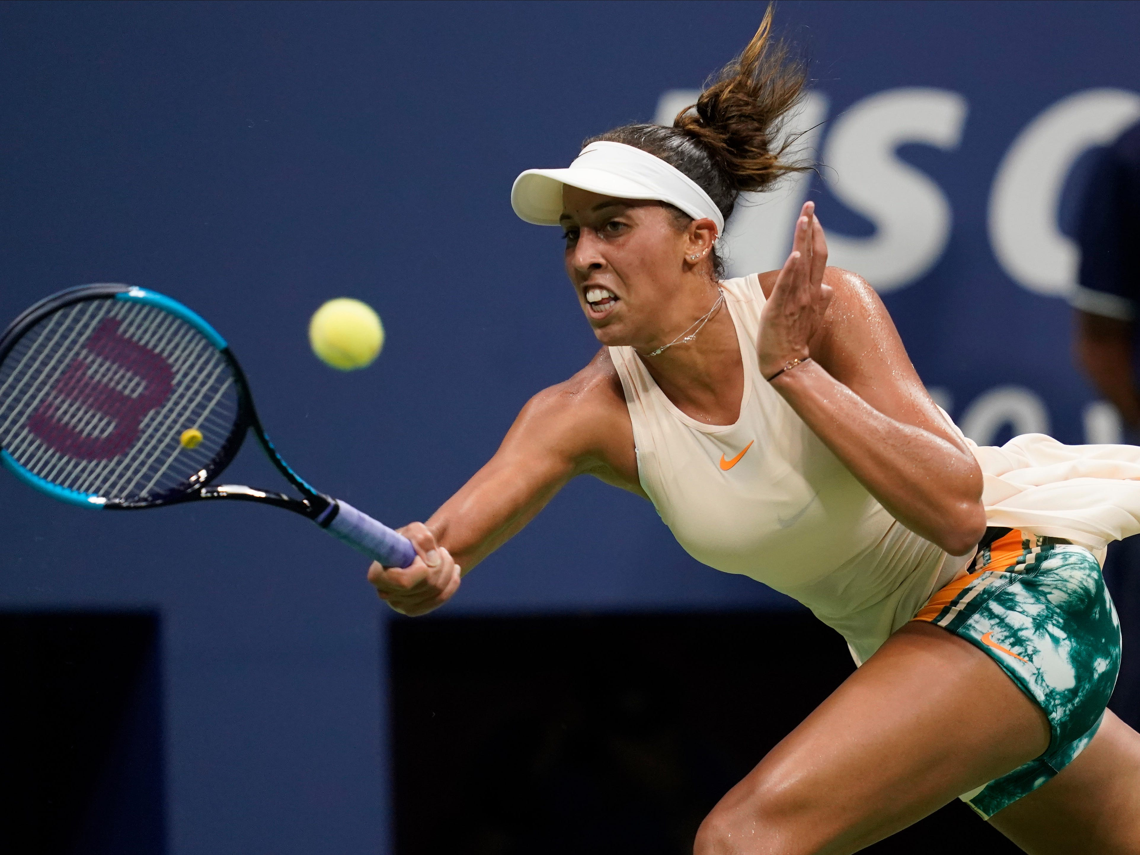 Madison Keys, chasing down a forehand during her match with Carla Suarez Navarro, advanced to the semifinals for the second consecutive year.