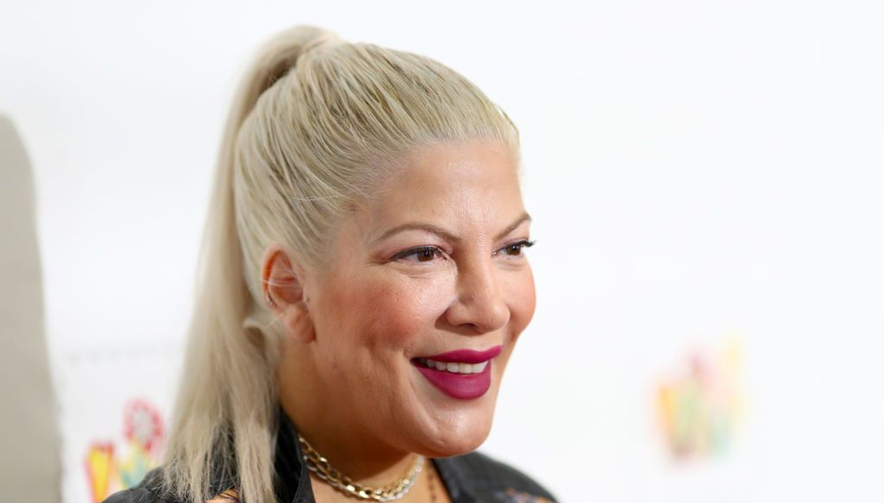 29ee24b9514 Disgusting mom-shaming comments on Tori Spelling s back-to-school photo will  enrage you