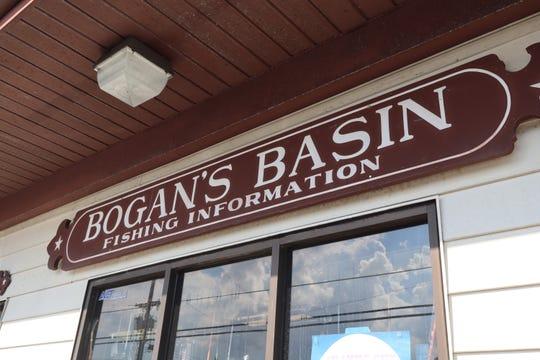 A sign advertising Bogan's Basin.