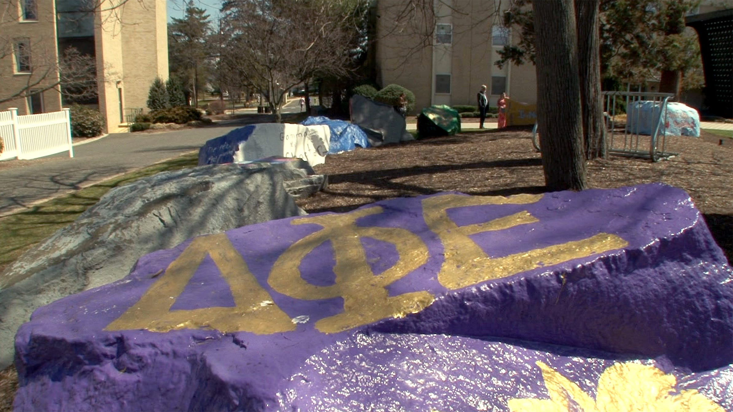 NJ college drinking ban: No hard alcohol for NJ fraternities, sororities after student deaths