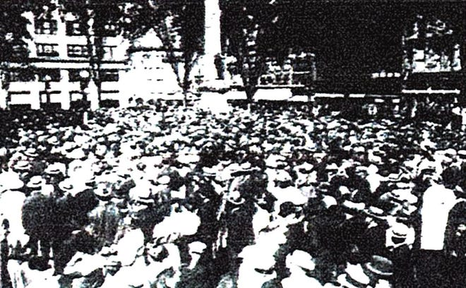 A large gathering at the Labor Day parade in Binghamton in 1918.