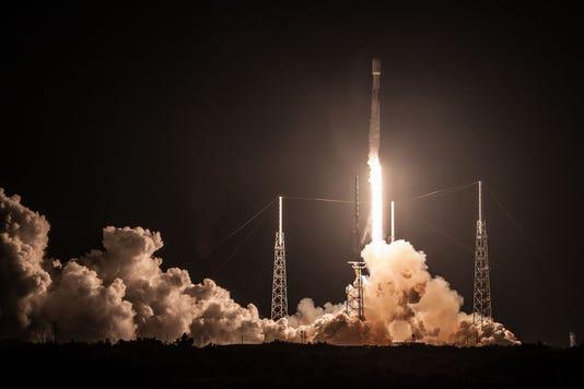 Telstar19v Launch1