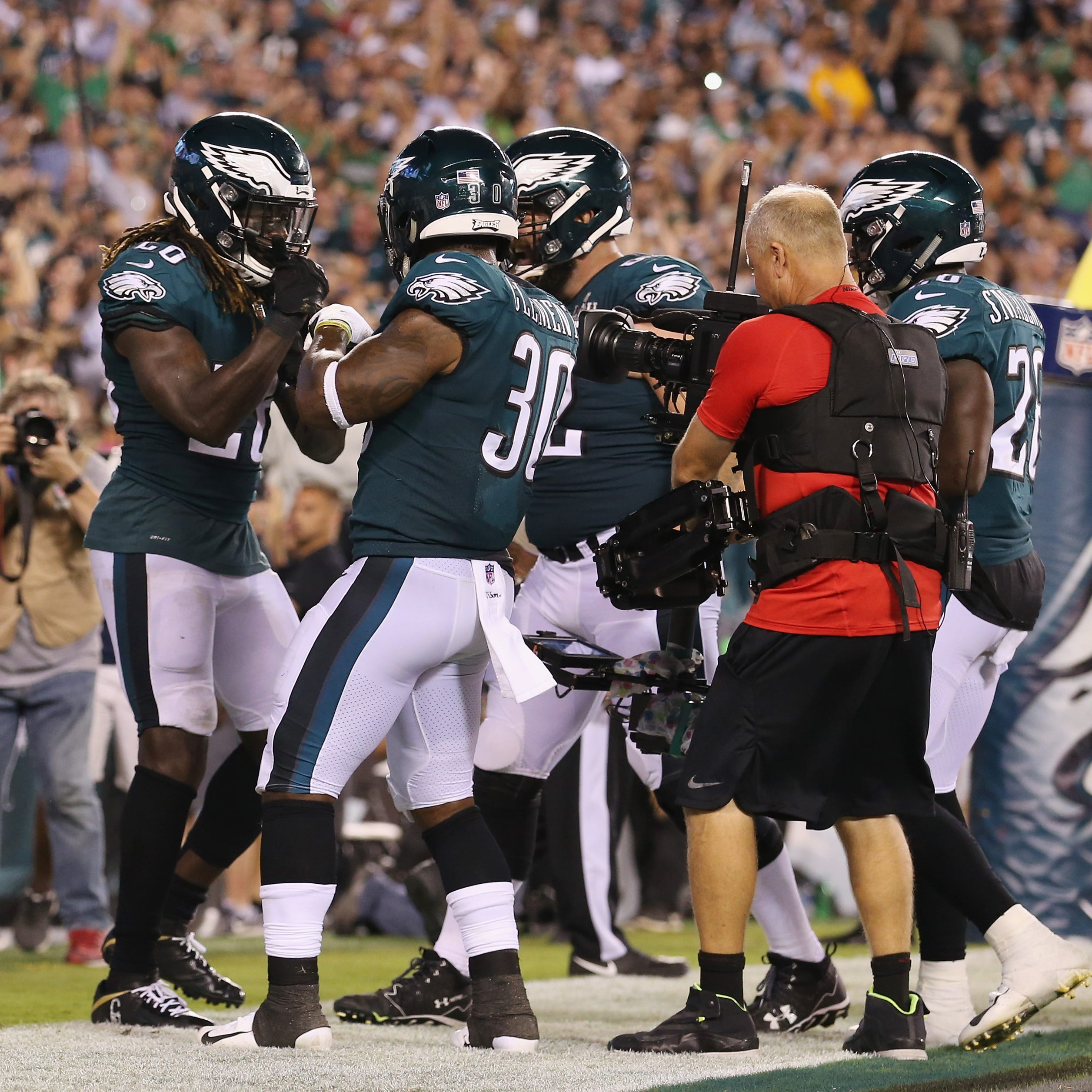 In NFL season opener, Eagles stop Falcons, Matt Ryan, 18-12