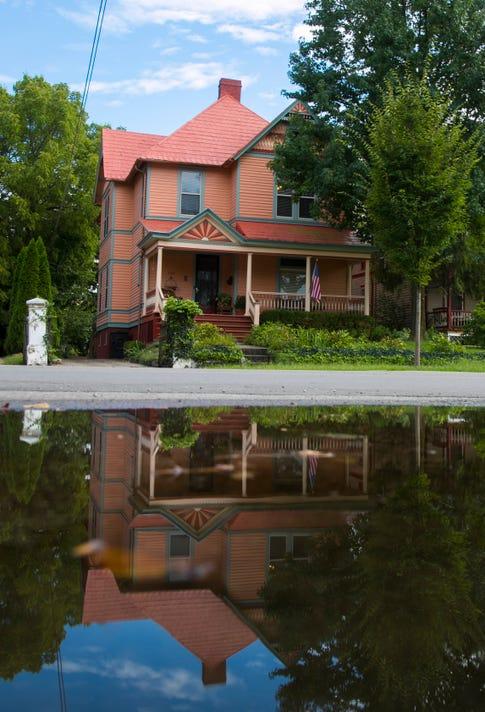 Chromatic Homes