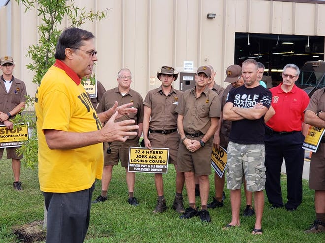 Teamsters Local 89 president Fred Zuckerman urged UPS drivers at a rally Friday morning to reject the proposed national master contract between the shipper and the International Brotherhood of Teamsters.