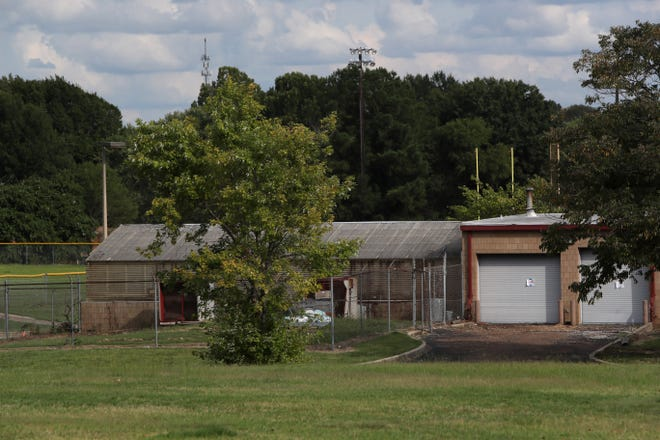 Kirby High School's greenhouse was where the rat problem started that spread throughout the campus, forcing Shelby County to close the school.