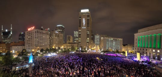 Lightning 100's Live On the Green brings big crowds to Public Square Park in downtown Nashville.