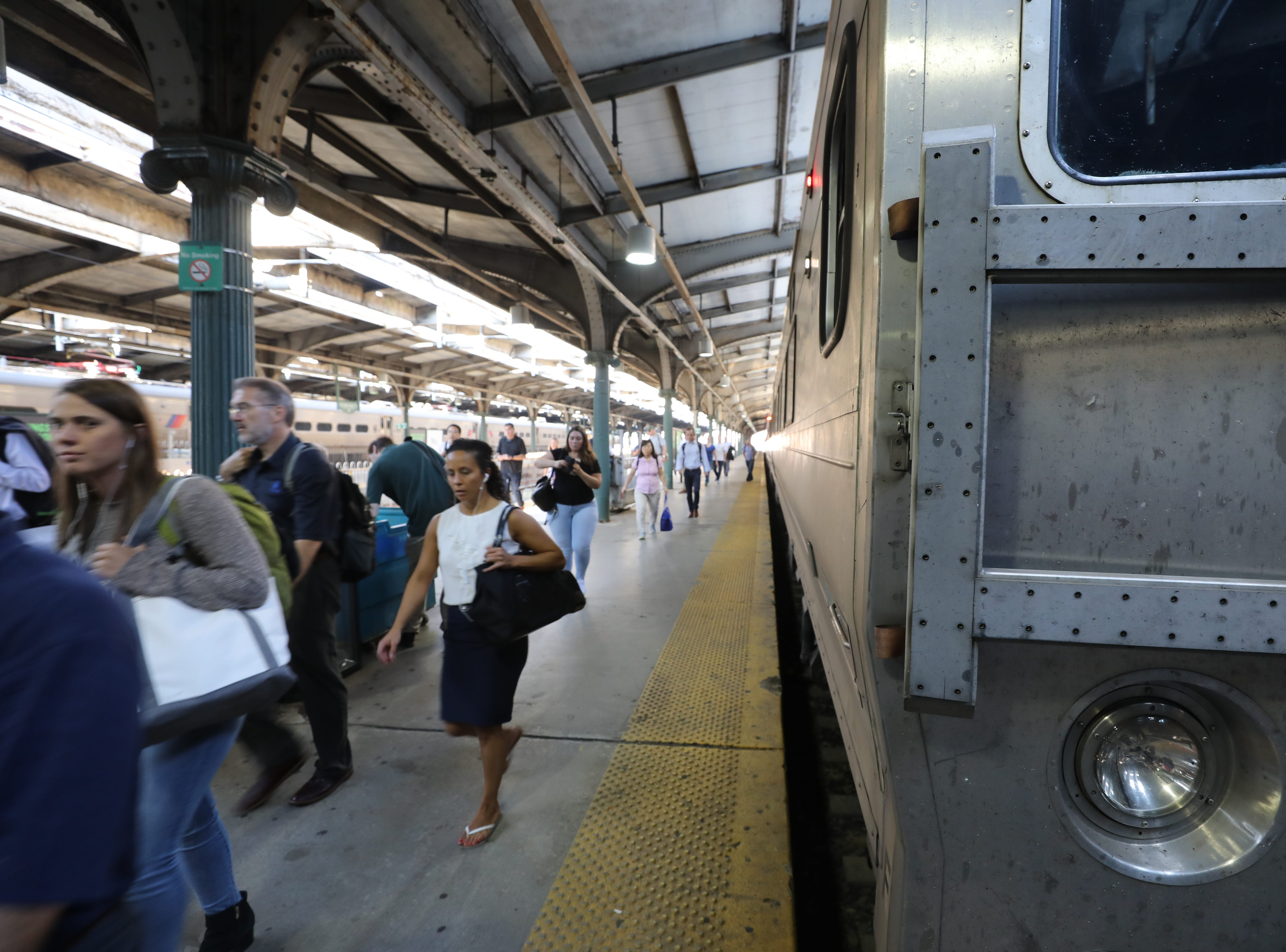 Multiple delays on Morris & Essex line;  four NJ Transit trains canceled