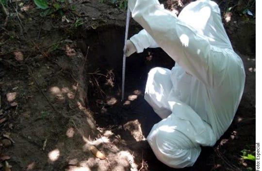 Los trabajos en la excavación iniciaron el pasado 8 de agosto luego de la detención de una persona que informó sobre la ubicación de las fosas.